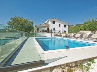 5 bedroom Villa in Donji Vinjani, Splitsko-Dalmatinska Zupanija, Croatia : ref 5