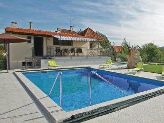 5 bedroom Villa in Krivodol, Splitsko-Dalmatinska Zupanija, Croatia : ref 556208