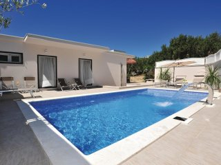 3 bedroom Villa in Puharici, , Croatia : ref 5562104