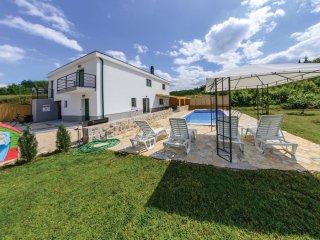 3 bedroom Villa in Karini, Splitsko-Dalmatinska Zupanija, Croatia : ref 5562076