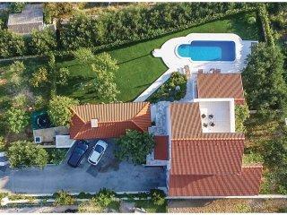 3 bedroom Villa in Kaštel Kambelovac, Splitsko-Dalmatinska Županija, Croatia : r