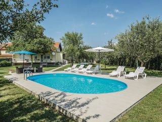 5 bedroom Villa in Duzeli, Splitsko-Dalmatinska Zupanija, Croatia : ref 5562049