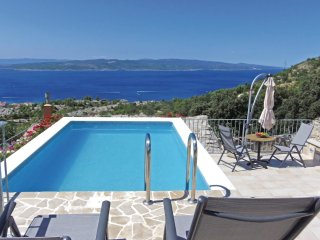 2 bedroom Villa in Baska Voda, Splitsko-Dalmatinska Zupanija, Croatia : ref 5562