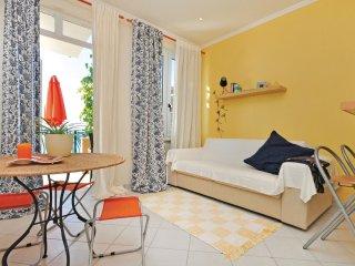 3 bedroom Apartment in Sumpetar, Splitsko-Dalmatinska Zupanija, Croatia : ref 55
