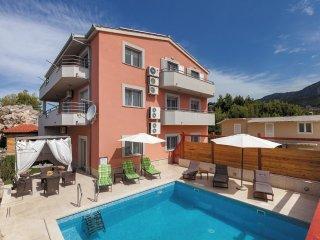 9 bedroom Villa in Podstrana, Splitsko-Dalmatinska Županija, Croatia : ref 55620