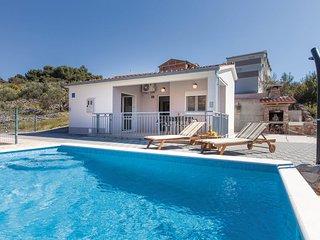 4 bedroom Villa in Zaglavice, Splitsko-Dalmatinska Županija, Croatia : ref 55620