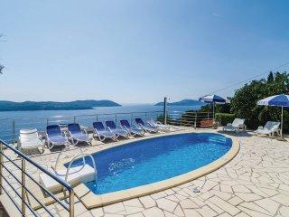 5 bedroom Villa in Poljice, Dubrovačko-Neretvanska Županija, Croatia : ref 55619