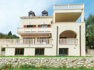 5 bedroom Villa in Grgurići, Dubrovačko-Neretvanska Županija, Croatia : ref 5561