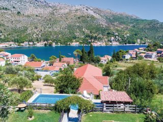 6 bedroom Apartment in Soline, Dubrovacko-Neretvanska Zupanija, Croatia : ref 55