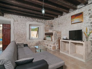 4 bedroom Villa in Pučišća, Splitsko-Dalmatinska Županija, Croatia : ref 5561739