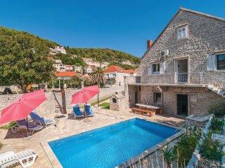 4 bedroom Villa in Pucisca, Splitsko-Dalmatinska Zupanija, Croatia : ref 5561739