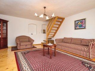 3 bedroom Villa in Donji Humac, Splitsko-Dalmatinska Zupanija, Croatia : ref 556