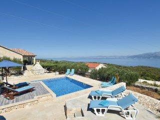 2 bedroom Villa in Postira, Splitsko-Dalmatinska Županija, Croatia : ref 5561742
