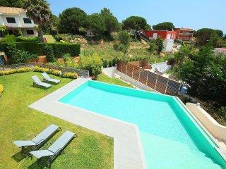 4 bedroom Villa in Lloret de Mar, Catalonia, Spain : ref 5561713