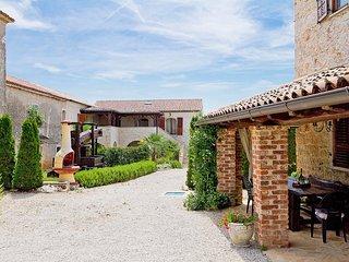 8 bedroom Villa in Baratto, Istria, Croatia : ref 5561681