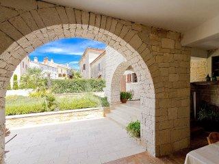 8 bedroom Villa in Baratto, Istria, Croatia : ref 5561680