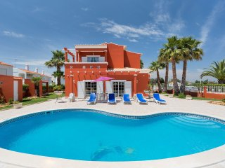 4 bedroom Villa in Alporchinhos, Faro, Portugal : ref 5561419