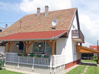 4 bedroom Apartment in Bérci Hegy, Somogy megye, Hungary : ref 5561399