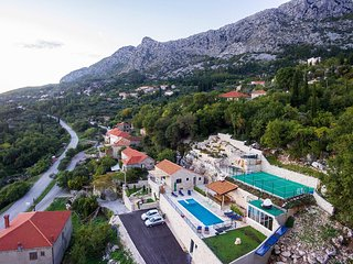 4 bedroom Villa in Butkovine, Dubrovacko-Neretvanska Zupanija, Croatia : ref 556