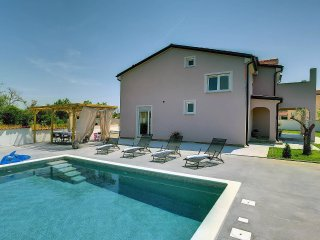 4 bedroom Villa in Valdebek, Istria, Croatia : ref 5561247