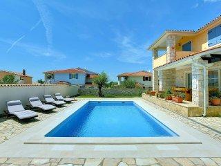 4 bedroom Villa in Mednjan, Istria, Croatia : ref 5561234