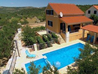3 bedroom Villa in Dracevica, Splitsko-Dalmatinska Zupanija, Croatia : ref 55608