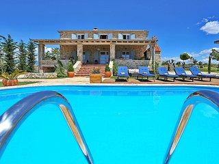 6 bedroom Villa in Dracan, Zadarska Zupanija, Croatia : ref 5560871