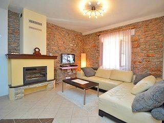 3 bedroom Villa in Mratovo, Sibensko-Kninska Zupanija, Croatia : ref 5560844