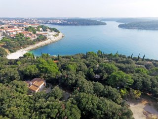 2 bedroom Villa in Pjescana uvala, , Croatia : ref 5559401