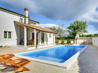 3 bedroom Villa in Mutvoran, Istria, Croatia : ref 5559343