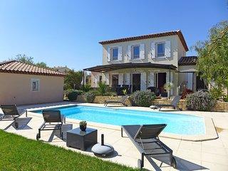 4 bedroom Villa in Saint-Cyr-sur-Mer, Provence-Alpes-Côte d'Azur, France : ref 5
