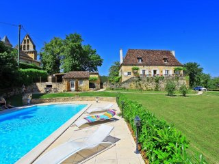 4 bedroom Villa in Nadaillac-de-Rouge, Occitania, France : ref 5559211