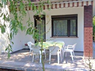 6 bedroom Villa in Balatonfenyves, Somogy megye, Hungary : ref 5558962