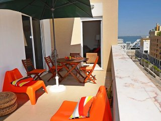 3 bedroom Apartment in Cabo Ruivo, Lisbon, Portugal : ref 5558644