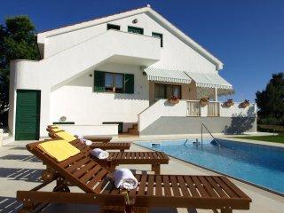 4 bedroom Villa in Zadar, Zadarska Zupanija, Croatia : ref 5558089