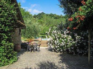 2 bedroom Villa in Montaperti, Tuscany, Italy : ref 5557844
