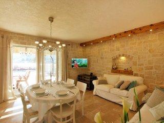 3 bedroom Villa in Sutomišćica, Zadarska Županija, Croatia : ref 5557843