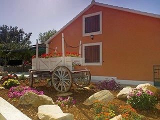 3 bedroom Villa in Bristivica, Splitsko-Dalmatinska Zupanija, Croatia : ref 5557