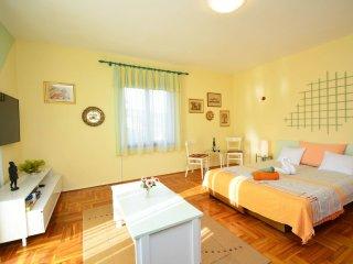 5 bedroom Villa in Ražanj, Šibensko-Kninska Županija, Croatia : ref 5557716