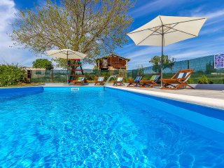 4 bedroom Villa in Valdebek, Istria, Croatia : ref 5557704