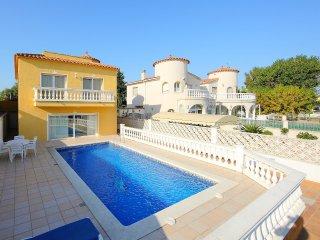 4 bedroom Villa in Empuriabrava, Catalonia, Spain : ref 5557644