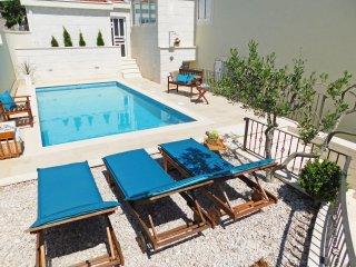 4 bedroom Villa in Bast, Splitsko-Dalmatinska Zupanija, Croatia : ref 5557513