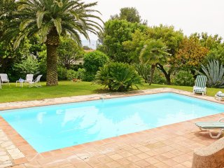 4 bedroom Villa in Saint-Raphael, Provence-Alpes-Cote d'Azur, France : ref 55567