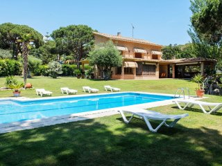 5 bedroom Villa in Sant Andreu de Llavaneres, Catalonia, Spain : ref 5556532