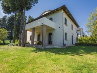 9 bedroom Villa in Luiano, Tuscany, Italy : ref 5556491