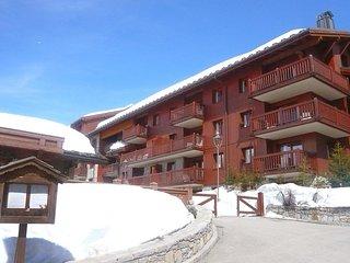 3 bedroom Apartment in Les Boisses, Auvergne-Rhone-Alpes, France : ref 5556261