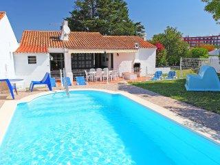 4 bedroom Villa in Areias de São João, Faro, Portugal : ref 5556243