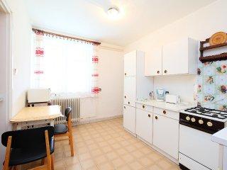 5 bedroom Villa in Balatonberény, Somogy megye, Hungary : ref 5555580
