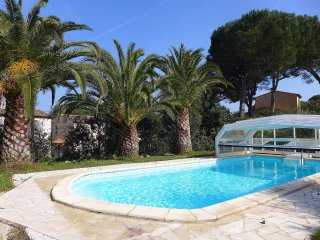 4 bedroom Villa in Sainte-Maxime, Provence-Alpes-Côte d'Azur, France : ref 55554