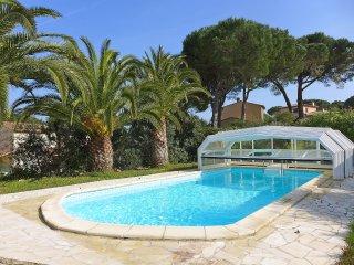 4 bedroom Villa in Sainte-Maxime, Provence-Alpes-Côte d'Azur, France : ref 55554